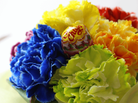 色鮮やかなお花に加え、お子様が笑顔になれるキャンディー付です!